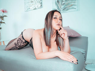 ValentinaBatesX Sexy Webcam Girl - live-webcam