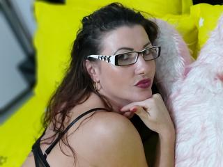 FrancaiseAnnaDom - Chat live porn with this vigorous body Exciting young and sexy lady