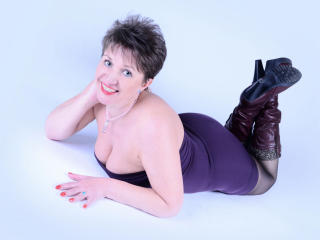 DoraBlueEyess - Chat live hot with a russet hair Hot chick