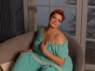 MiaDouce - online show sexy with a being from Europe Lady
