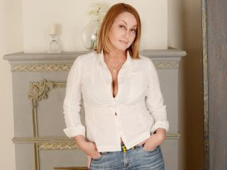 IlariaCeto - chat online xXx with a European Hot chick