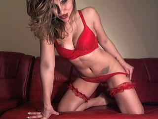 BiOnlyme - Chat live xXx with this fit physique Sex girl