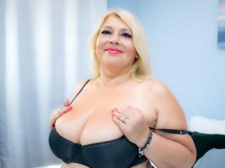 ByaStorm - Chat porn with a golden hair Hot chick