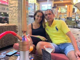 HoneyStarCouple - Chat live xXx with a White Female and male couple