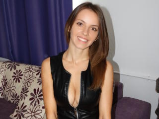 MissJoliSourire - Chat live xXx with a latin american Sexy girl