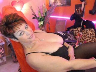 Bettina - Show live hot with this hairy genital area Mature