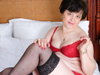 ChristaRose - Chat live hard with a average body Exciting lady over 35
